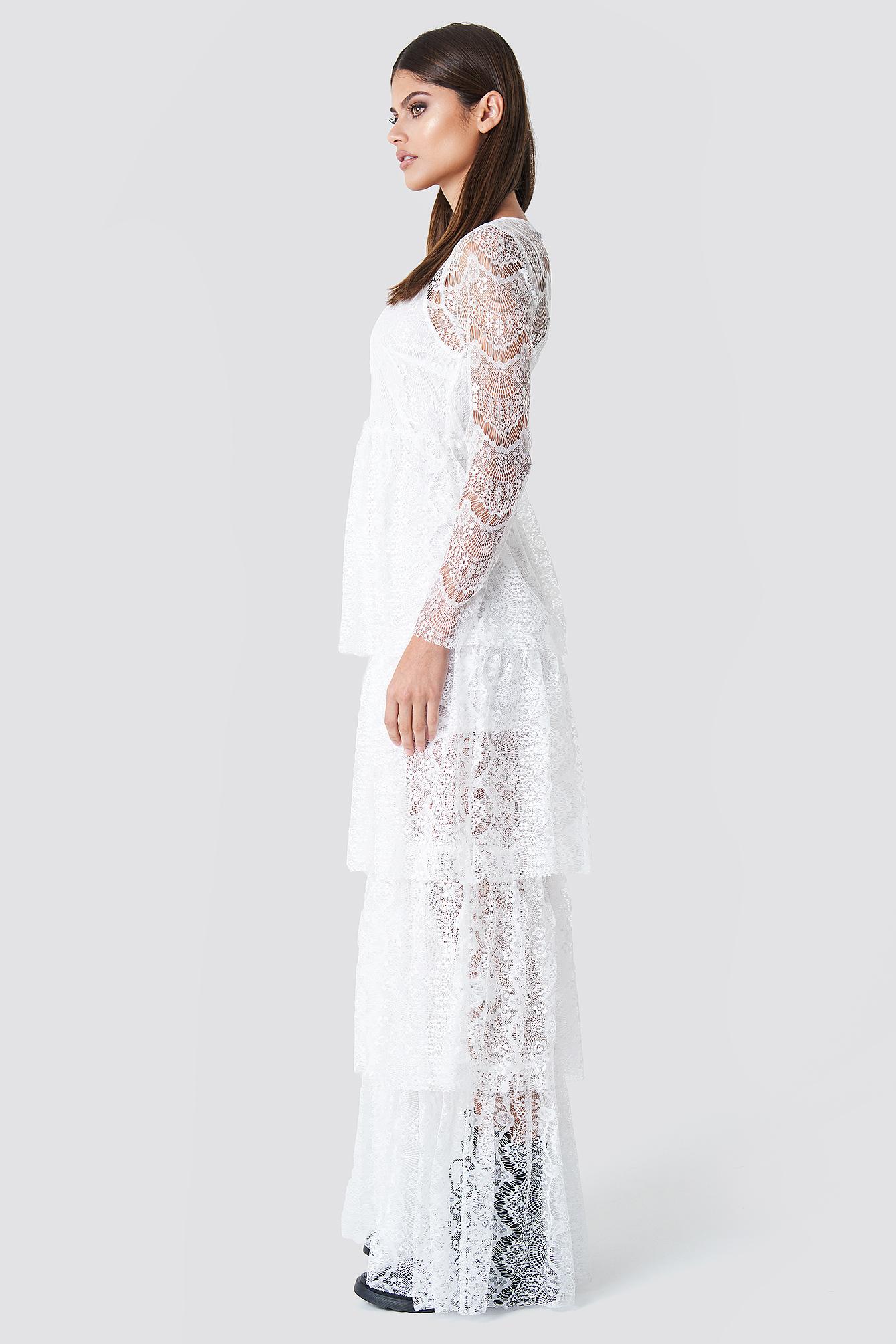 Koronkowa sukienka z długim rękawem NA-KD.COM