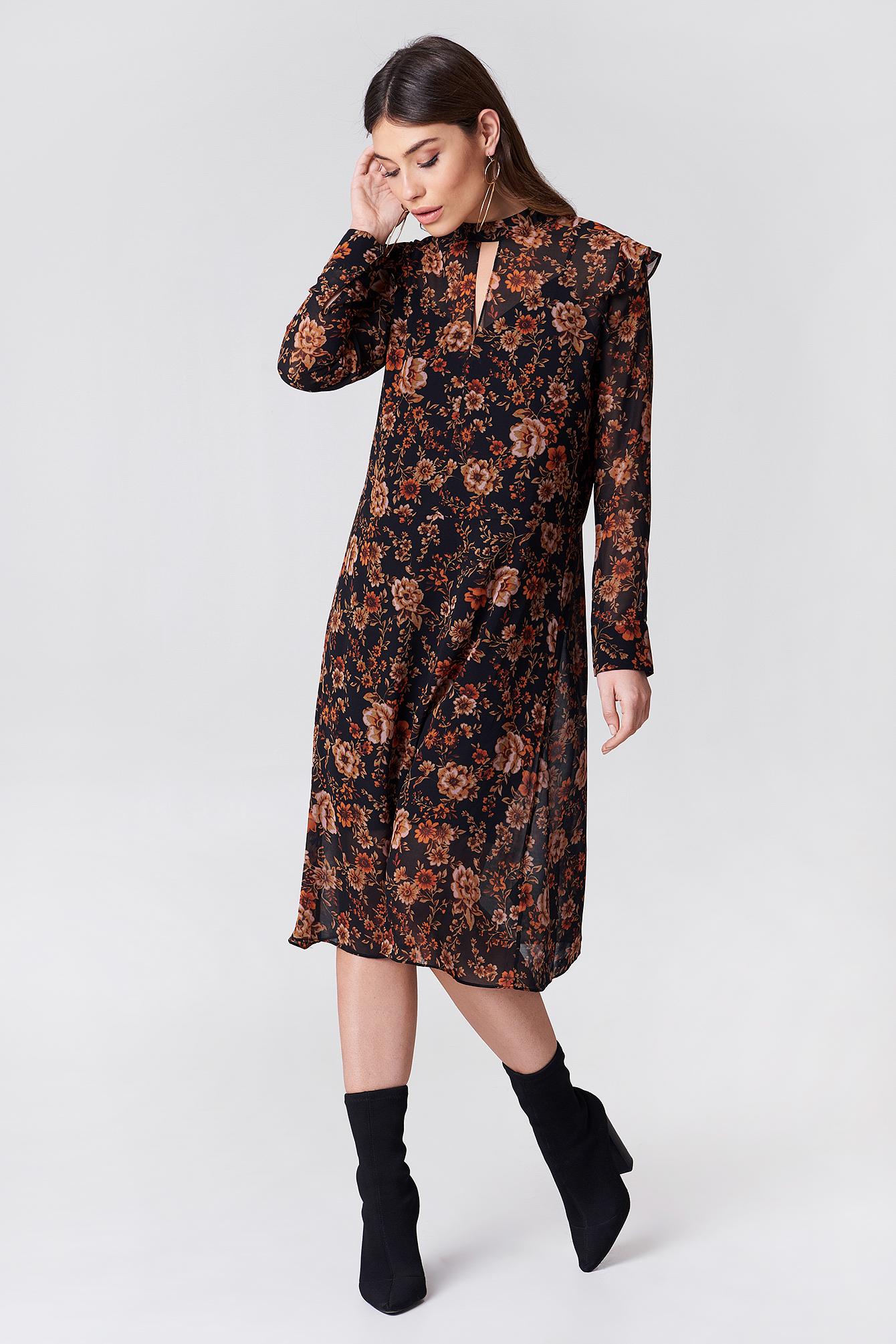 Sukienka z długim rękawem Cavan NA-KD.COM