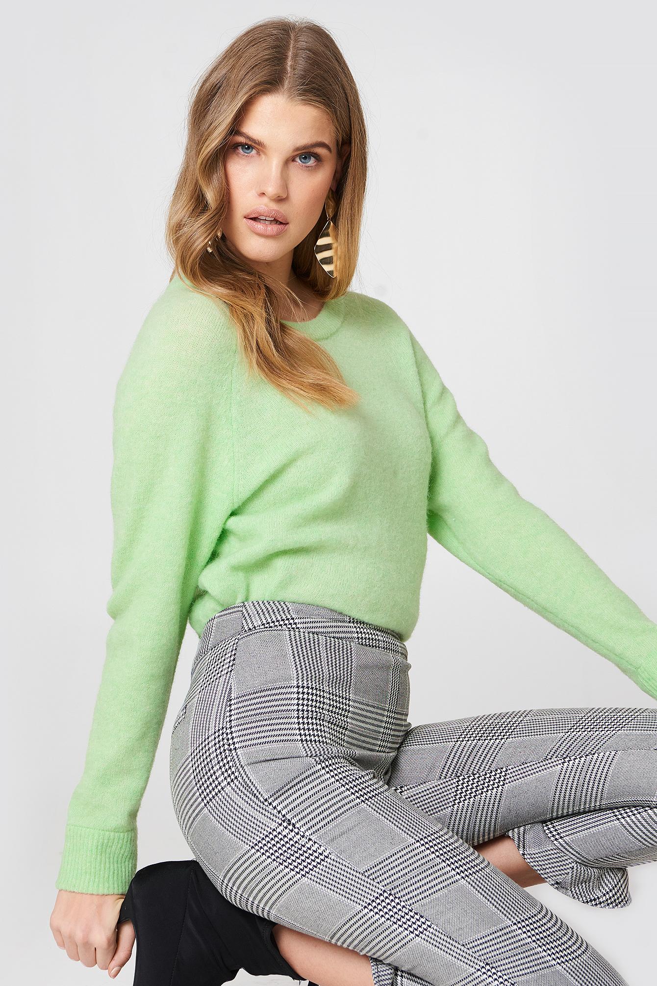 Krótki sweter z okrągłym dekoltem Nor NA-KD.COM