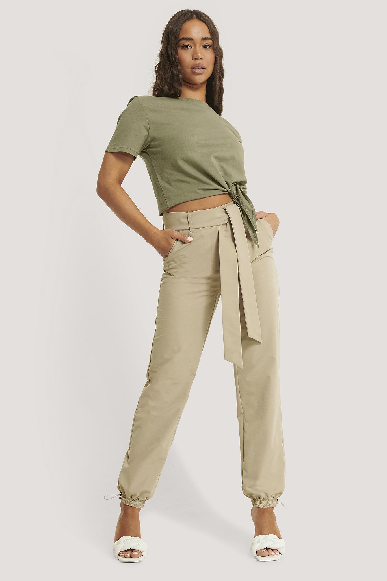 Sara Sieppi x NA-KD Weite Hose Mit Gürtel - Beige | Bekleidung > Hosen > Weite Hosen | Sara Sieppi x NA-KD
