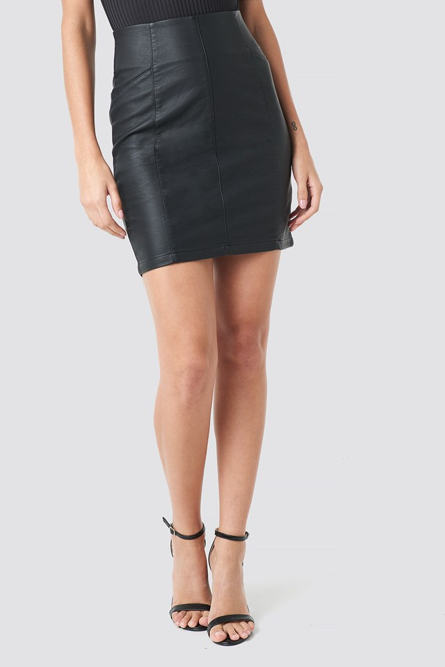 Dove Skirt Black