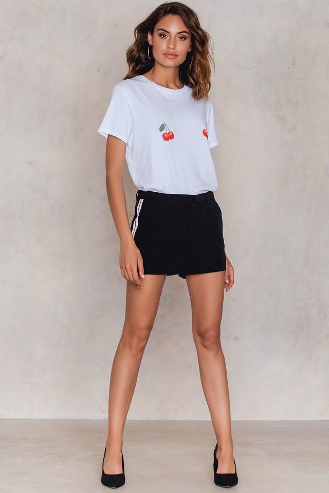Larna Shorts Black/Stripe