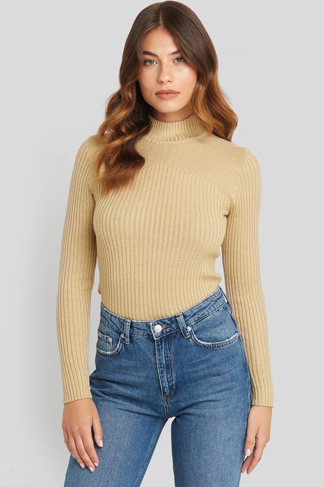Leni Turtleneck Sweater Bamboo