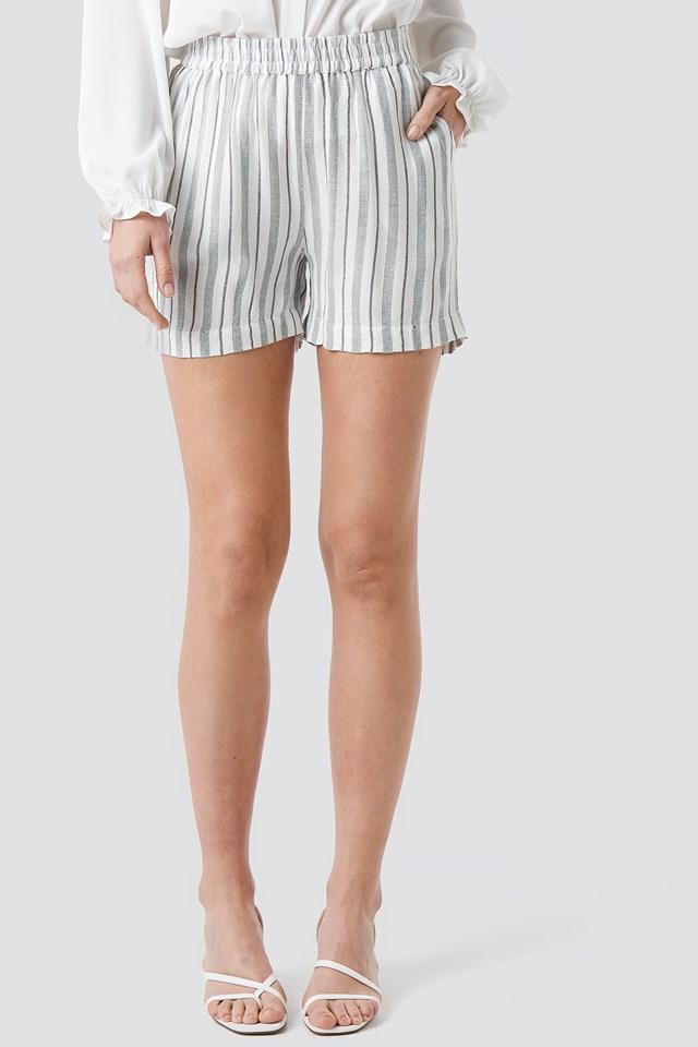Tika Shorts Offwhite