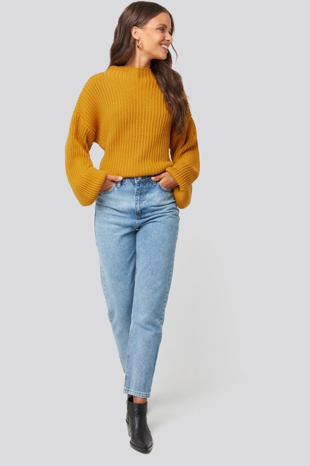Washed High Waist Mom Jeans Blue Outfit