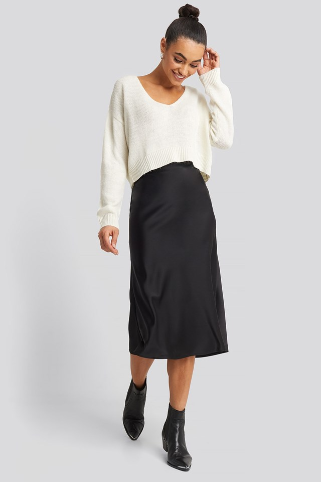 Printed Satin Skirt Black Outfit