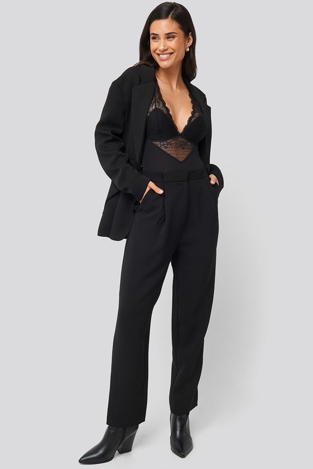 Suri Body 1 Black Outfit