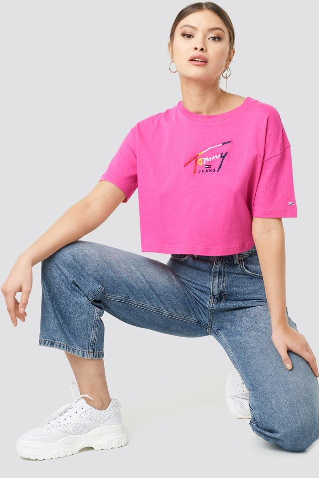 Cropped Tommy Script Tee Pink Outfit