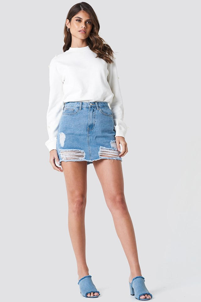 Ripped Mini Denim Skirt Outfit
