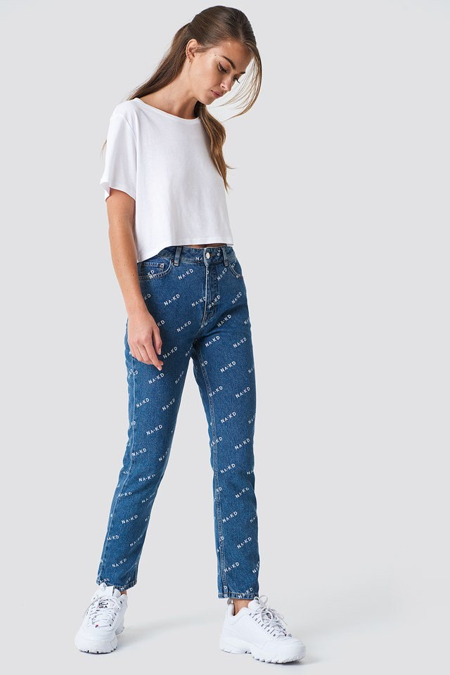 NA-KD logo Jeans Outfit