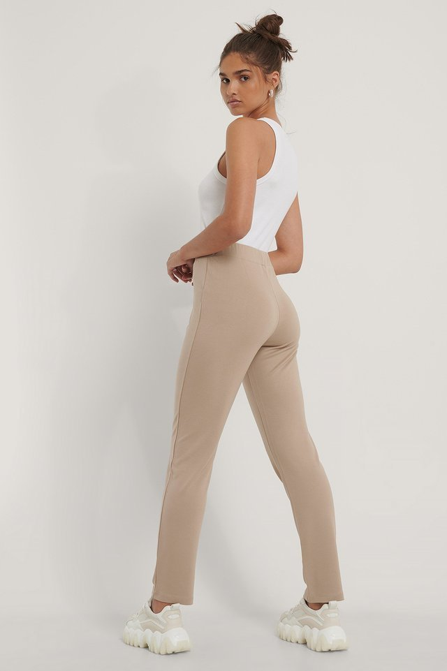 Tapered Elastic Waist Pants Outfit.