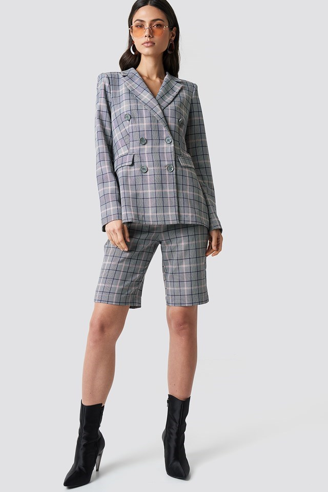 Button Detail Checkered Blazer Outfit