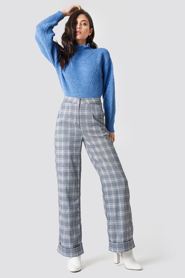 Knitted & Checkered Outfit