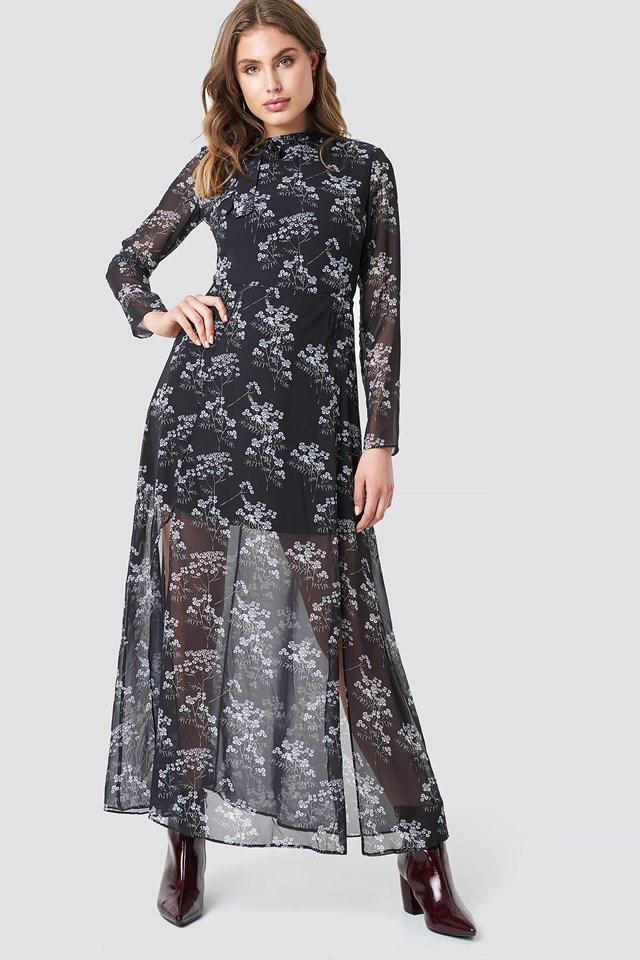 The Cute Patterned Long Dress Look