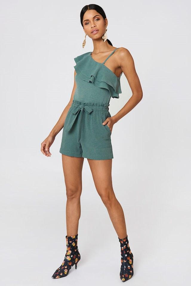 Ofelia One Shoulder Top Outfit.