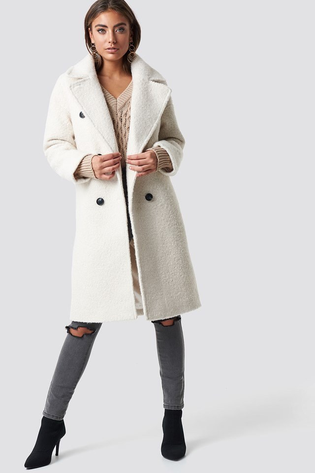 Luisa Lion White Fur Coat Outfit