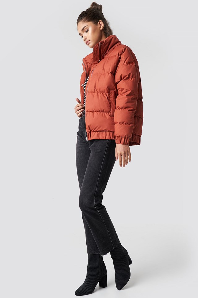 Trendy Puffy Jacket Look