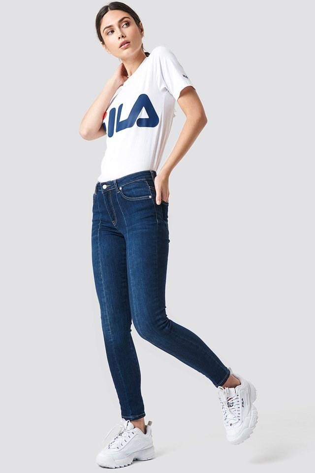 Sporty Denim FILA Outfit