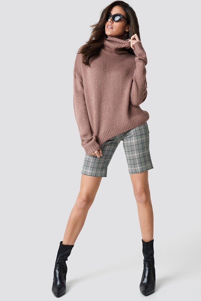 Cropped Checkred Pant Knit Outfit