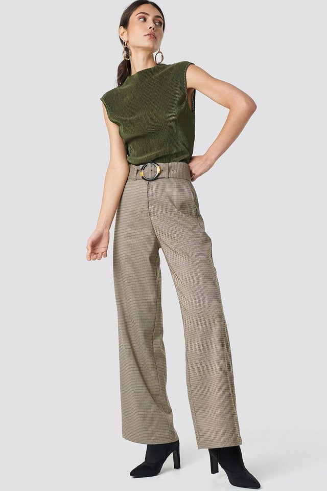 Green High Neck Tank X Pant Outfit