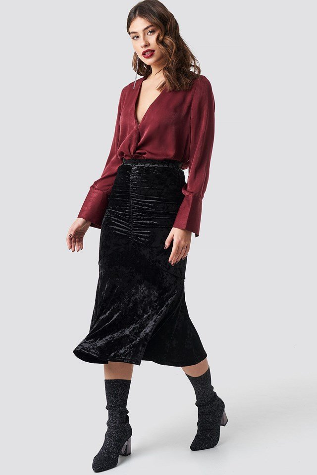 Velvet Ruched Skirt Black Outfit