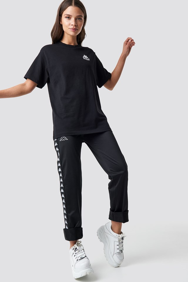 Tee Black Outfit