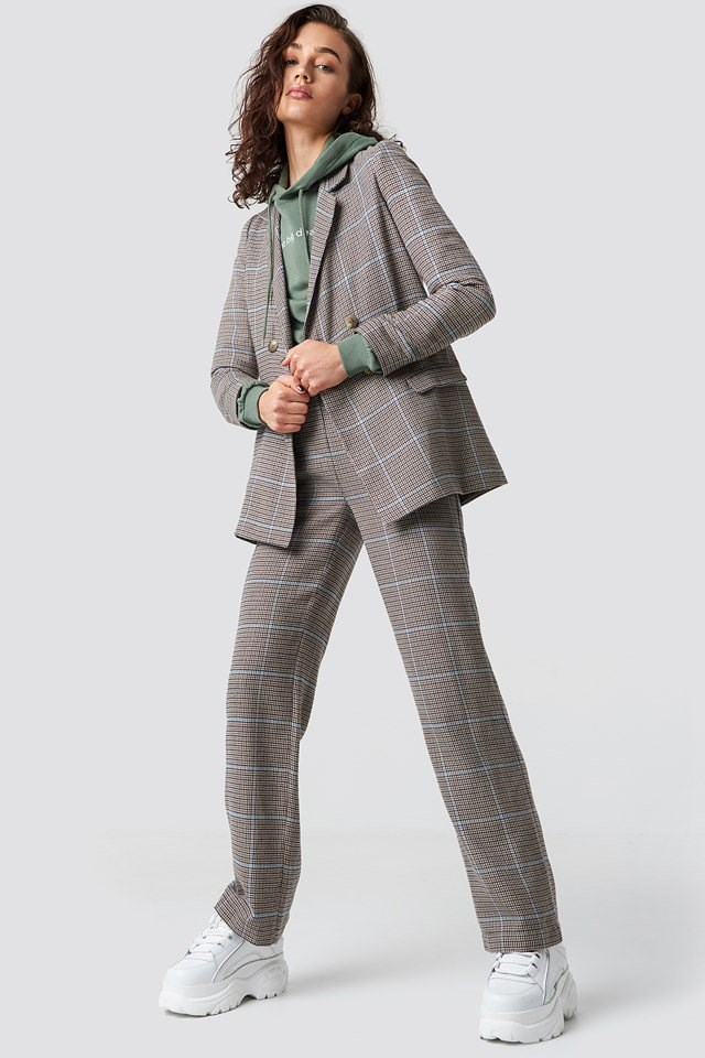 Stylish double buttoned checkered blazer outfit