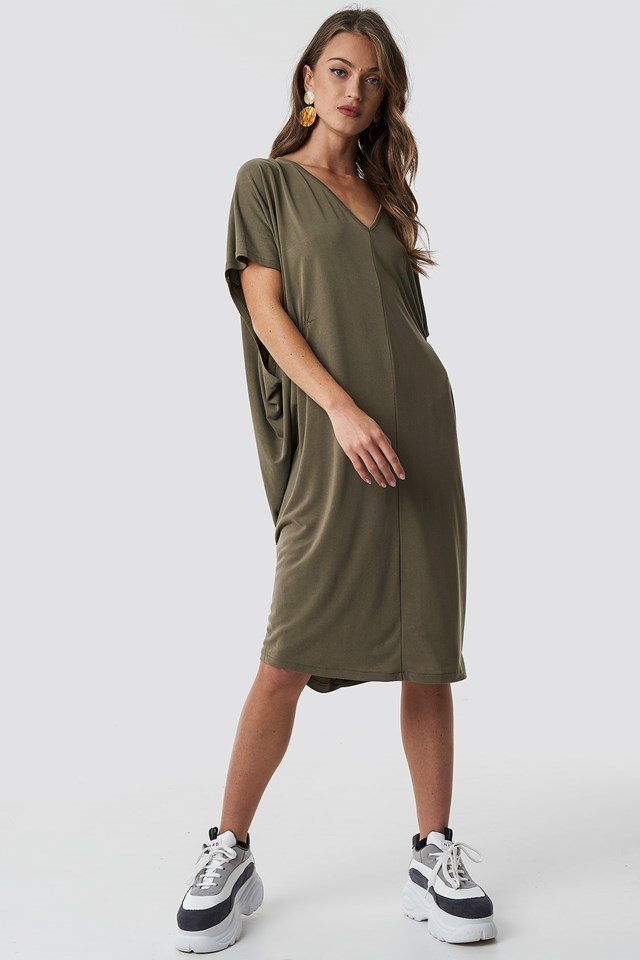 Casual gathering detail, oversize dress outfit in khaki green