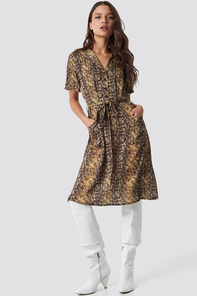 Trendy snake print dress outfit