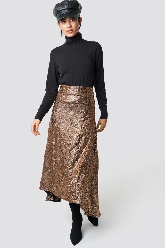 Glittery Tito skirt party outfit
