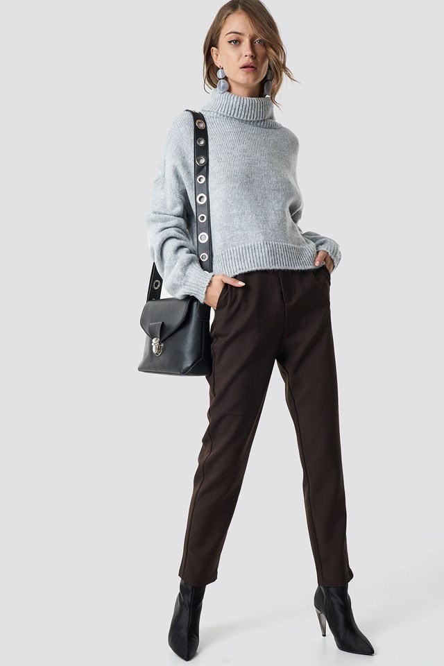 Grey knitted polo sweater outfit