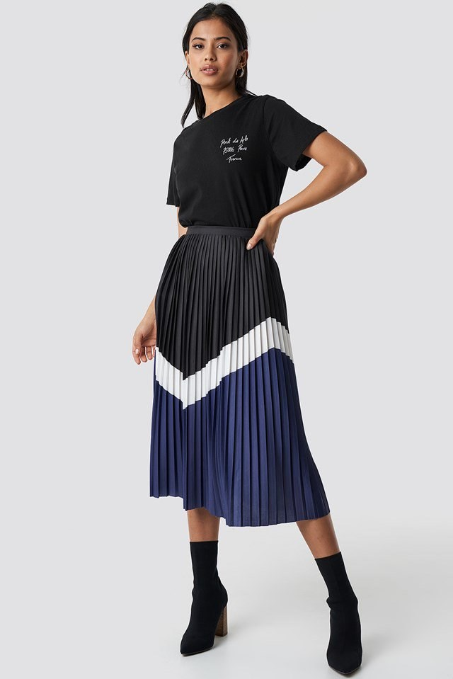 Tee and Midi Skirt Outfit