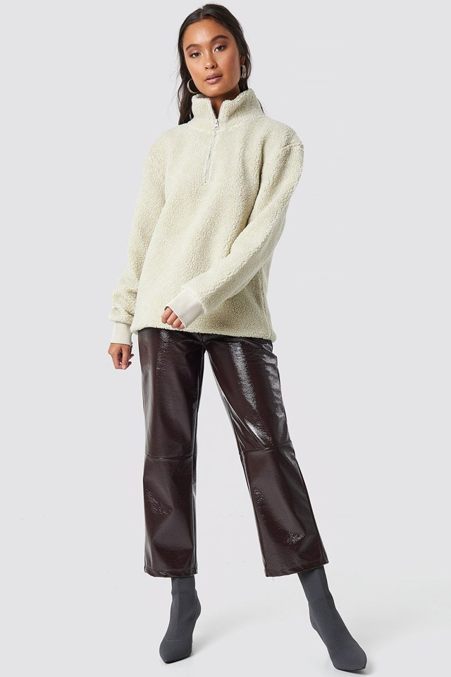Teddy Sweatshirt Outfit