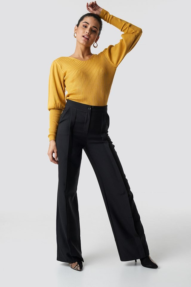 Yellow Pullover Outfit