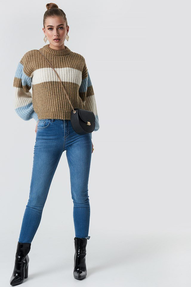 Cropped Knitted Sweater Outfit