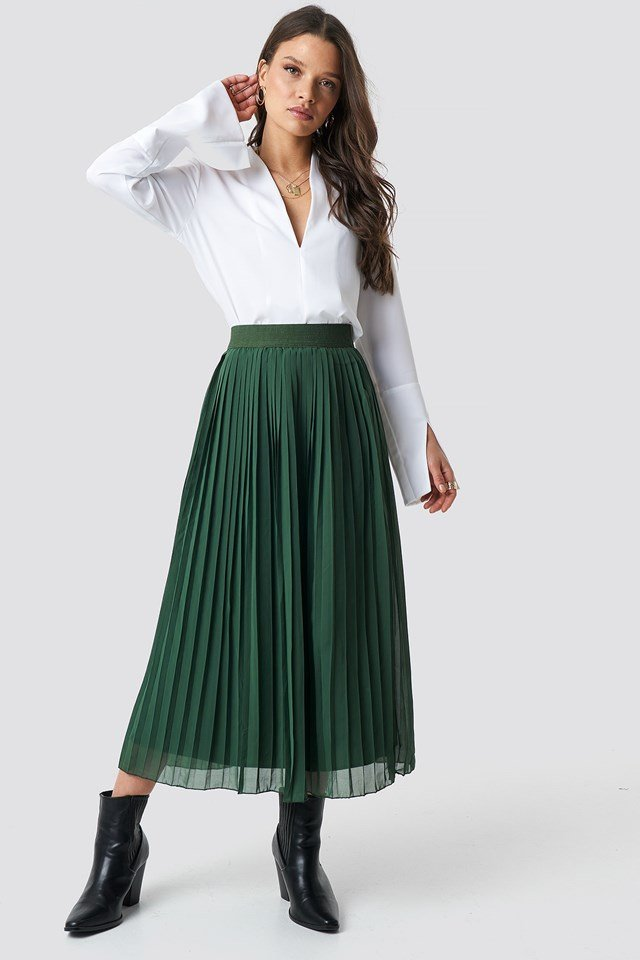 Pleated Long Skirt Outfit