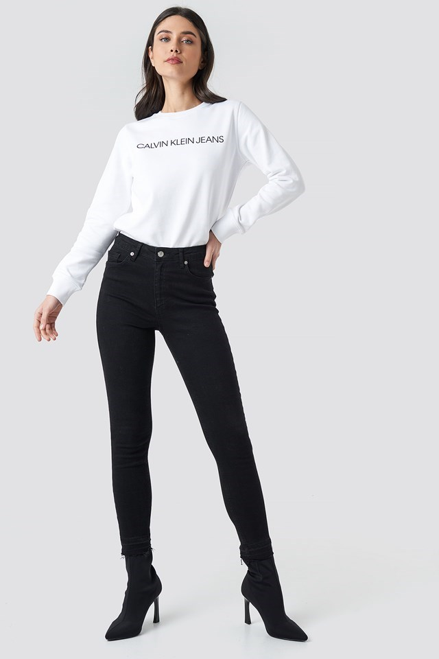 Institutional Regular Crewneck White Outfit