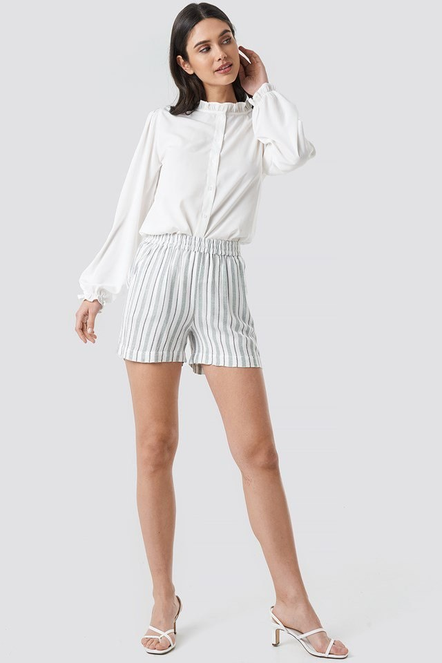 Tika Shorts White Outfit