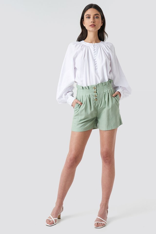 Taila Shorts Green Outfit