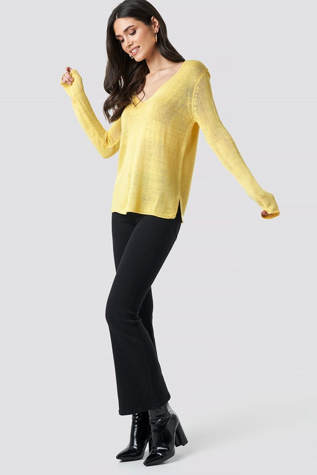 Ninni V-neck Knit Yellow Outfit