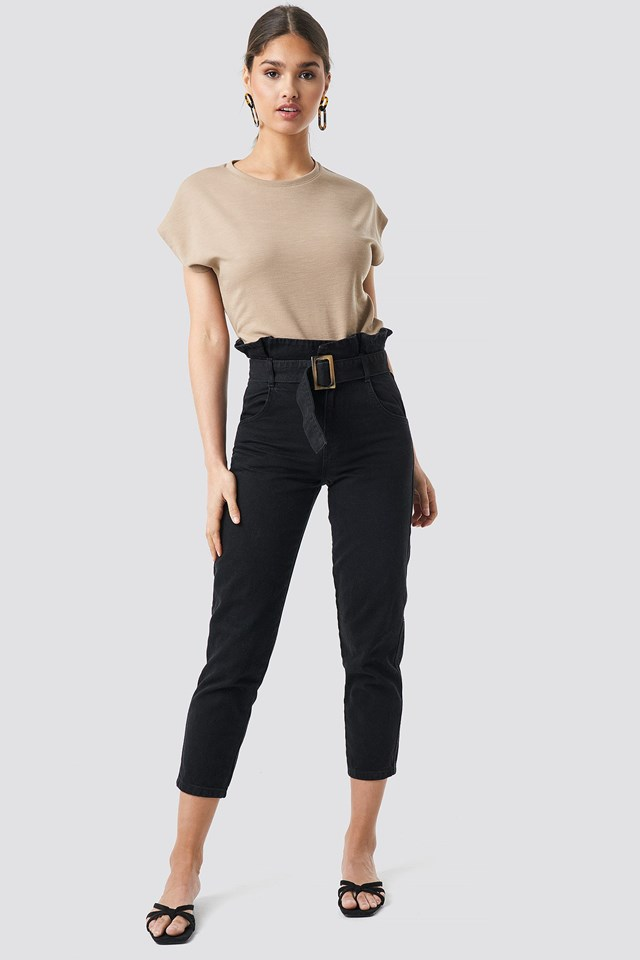 Black Paperbag Jeans Outfit