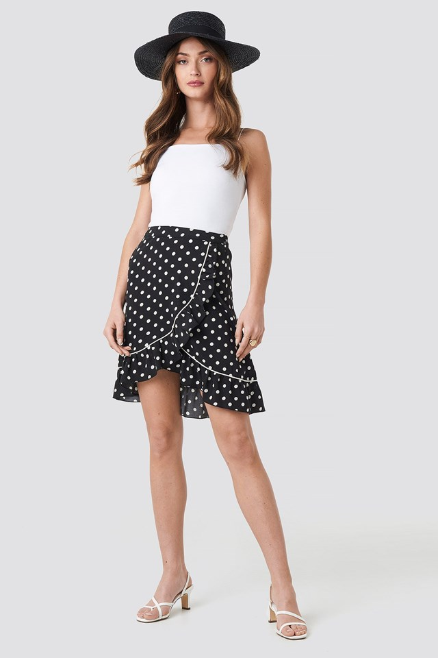 Binding Detail Dot Mini Skirt Outfit.