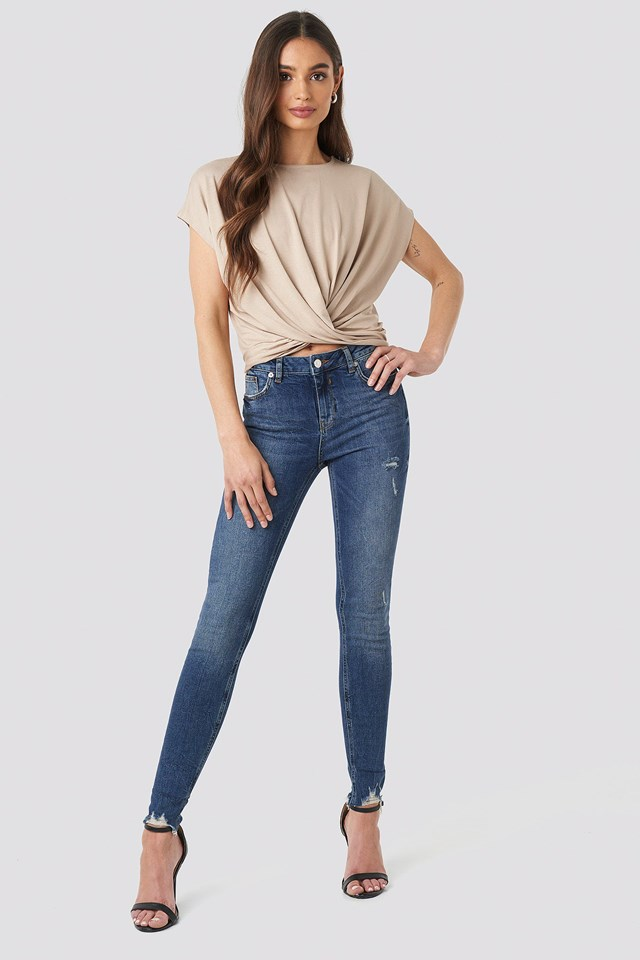 Front Knot Top Outfit.