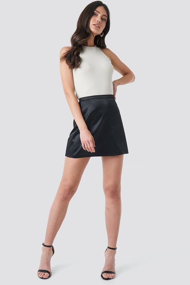 Halter Neckline Rack Singlet Beige Outfit