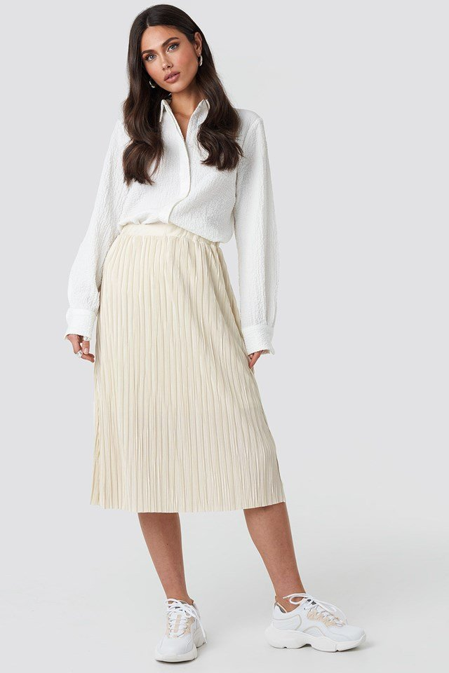 Plisse Skirt Beige Outfit