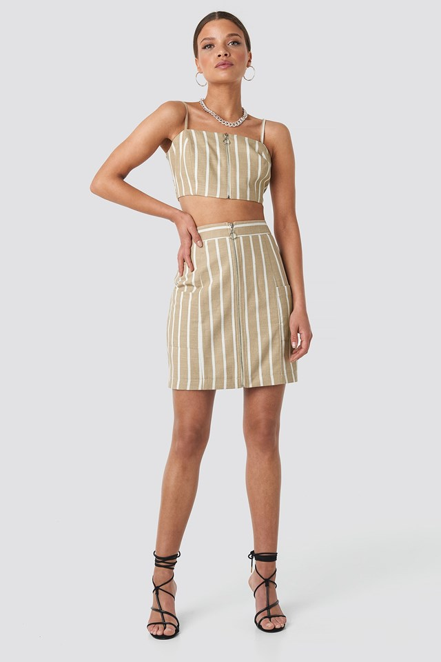 Zipped Singlet Beige Outfit
