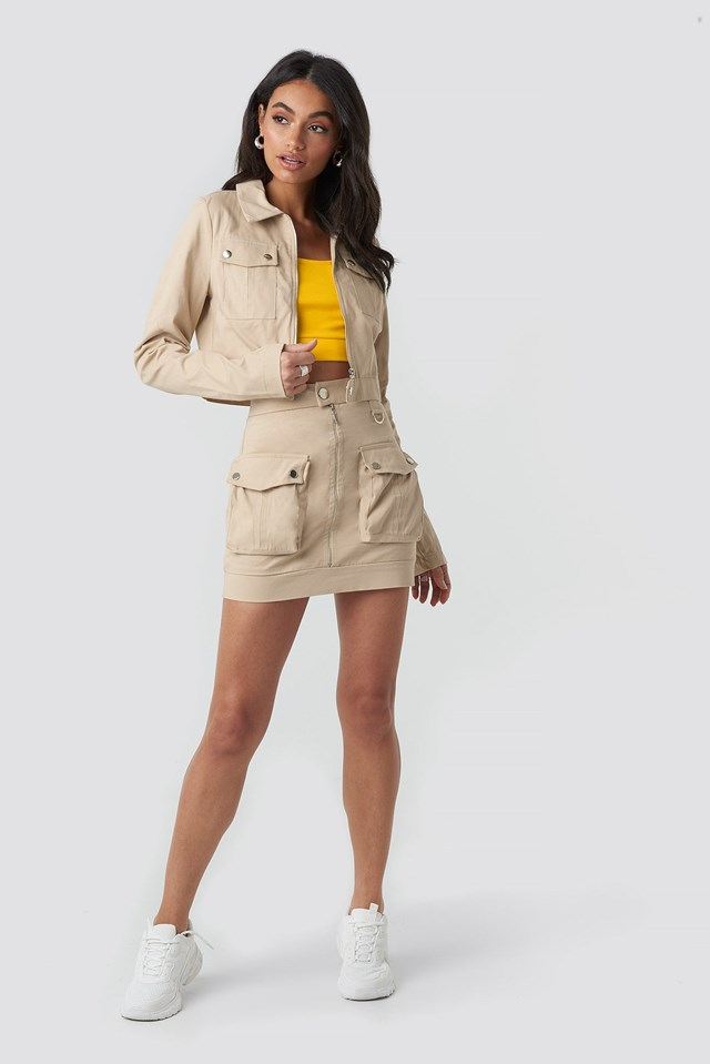 Zipped Short Jacket Beige Outfit
