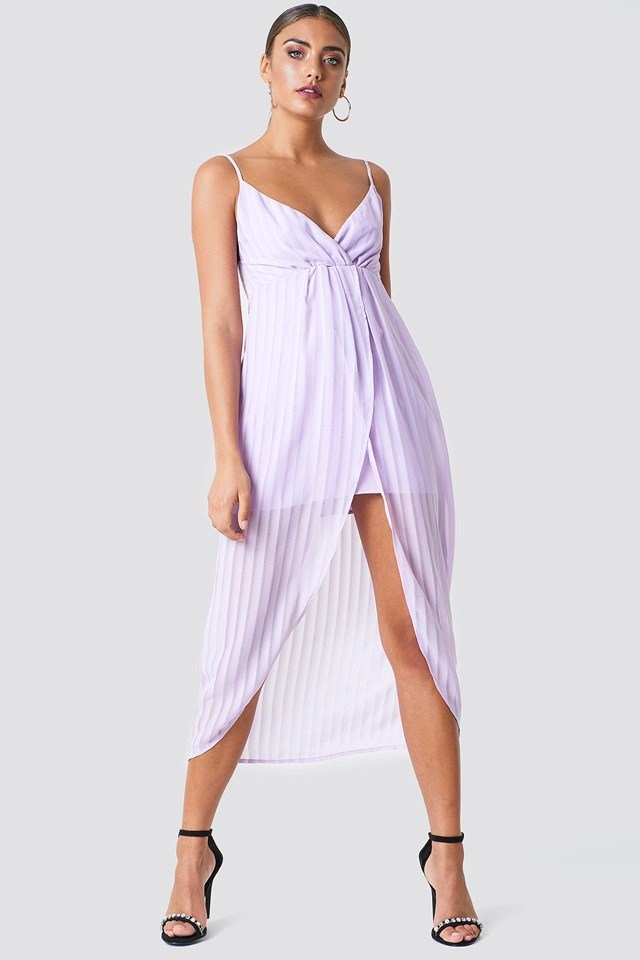 Minimalistic Midi Dress Style
