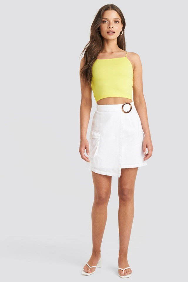 Cropped Spagetti Strap Singlet Yellow Outfit