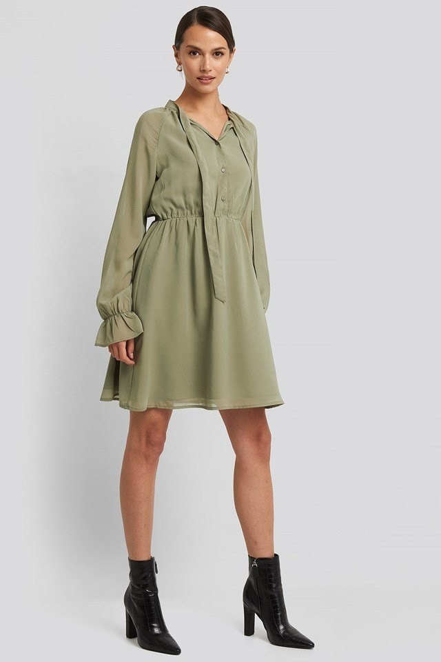 Chiffon buttoned Dress Green Outfit.